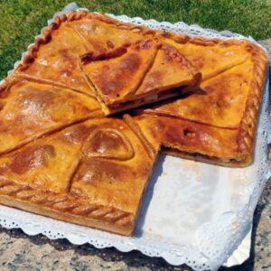 empanada casera de pulpo gallego recién hecha